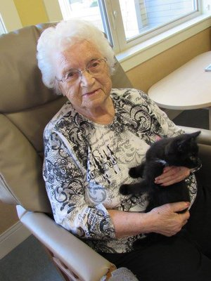 Nashwaak Villa - Activities - Pet Therapy